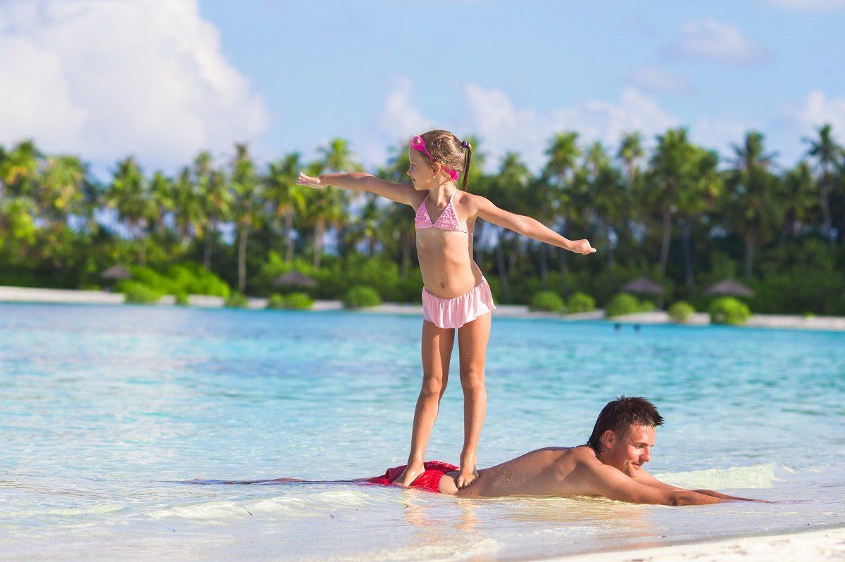 初めてのサーフィン!いよいよ海へ!初日におさえておきたい練習方法は?