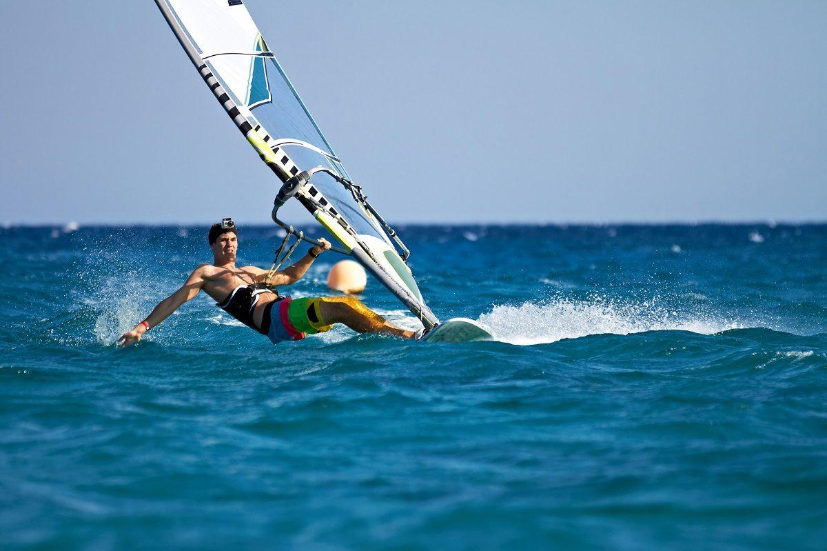 海の季節到来!ウィンドサーフィンを体験してみよう