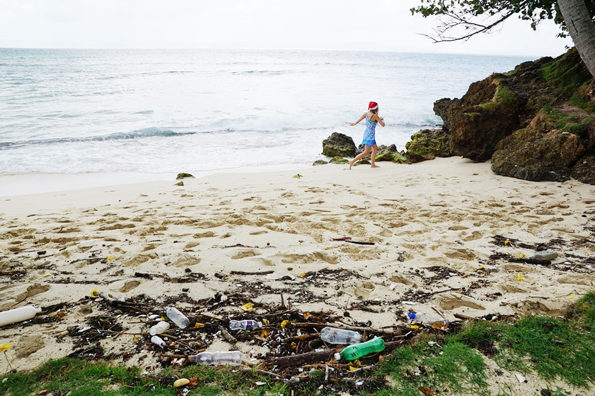 海岸の子ども