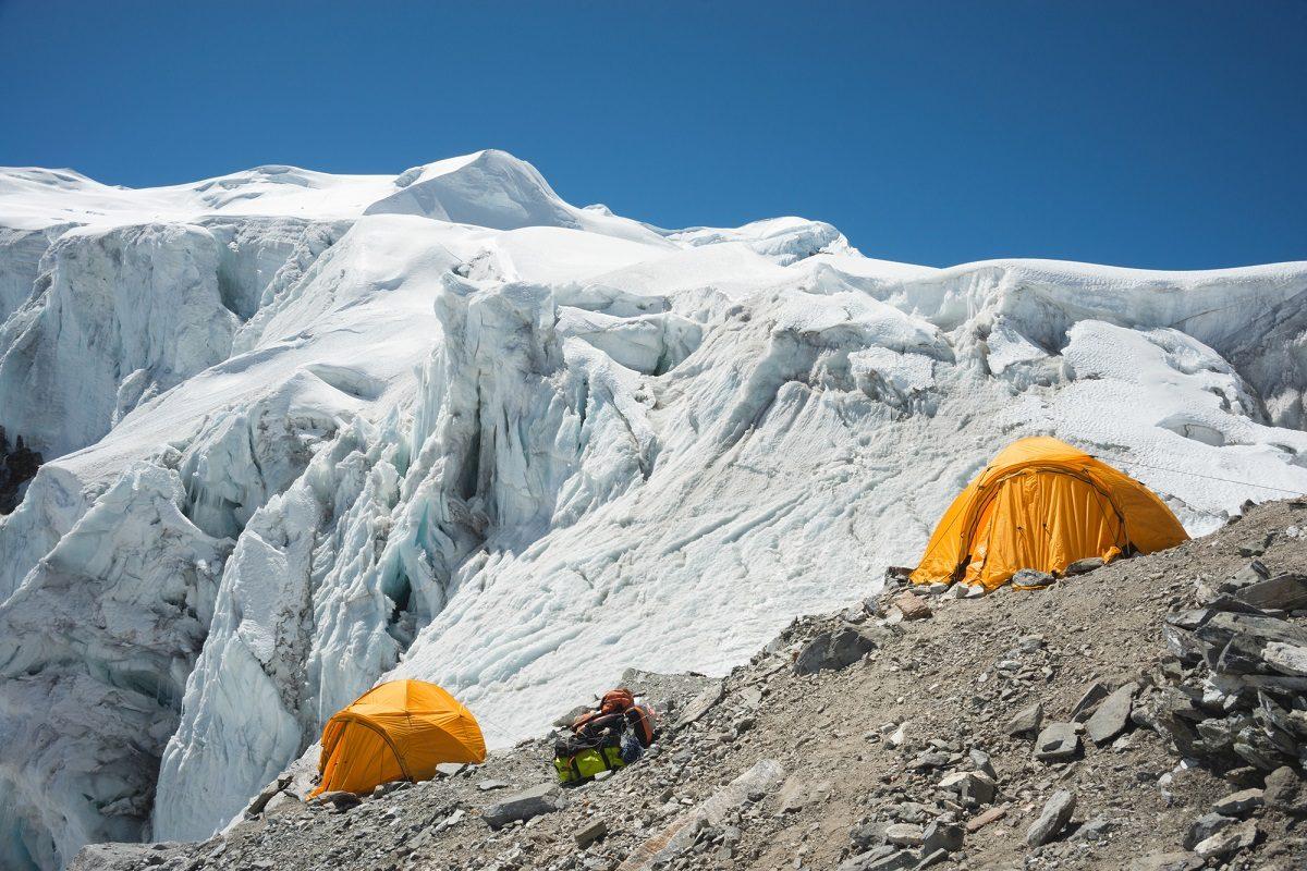 山岳ガイドは具体的にどのような仕事をして収入を得ているの?資格などはある?