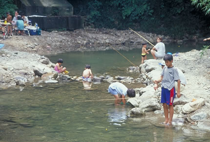 関西の管理釣り場 ファミリー