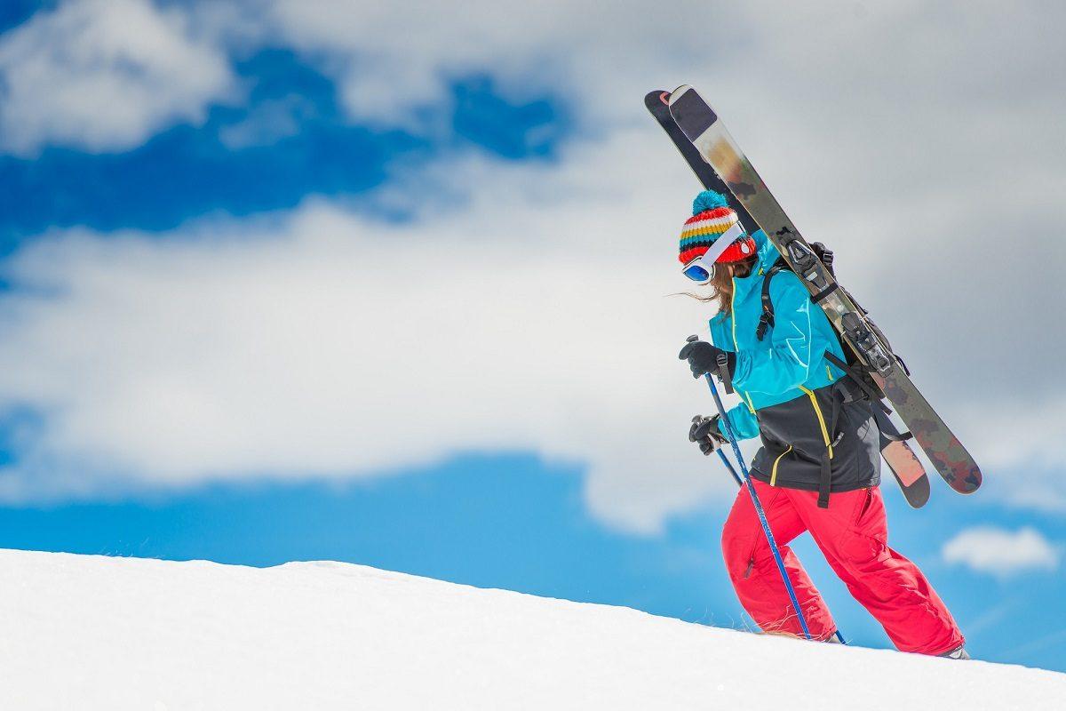 パウダースノーを満喫♪バックカントリースキー&スノーボード!おすすめガイド付きツアー