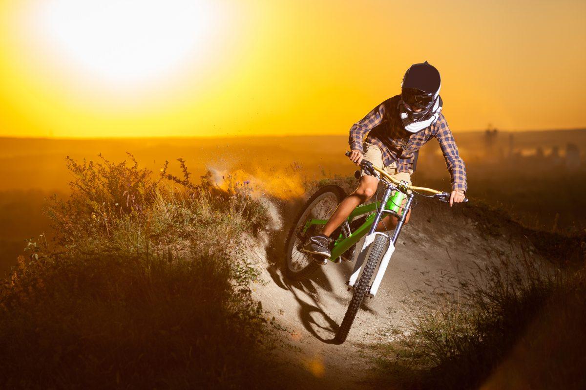 プロからアマチュアまで参加できるマウンテンバイクの大会「DOWNHILL SERIES」とは?