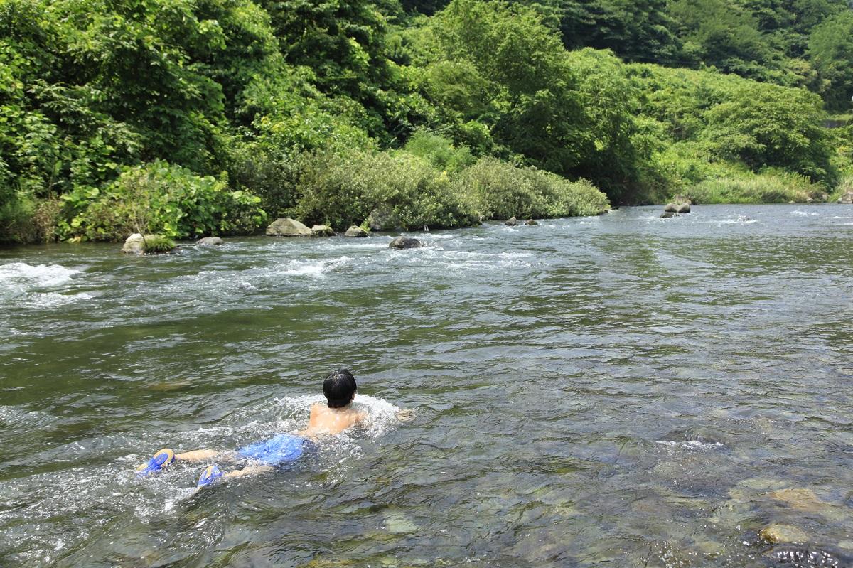 川遊び 低体温症