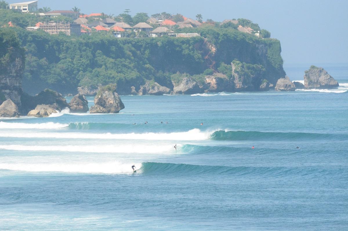 波にも特徴が!!サーフィンに役立つ波の用語と知識 について