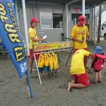 子どもたちを守れ!海水浴で知っておきたい海辺の生き物たちと安全対策について