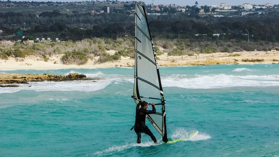 ヨット サーフィン ウィンドサーフィン