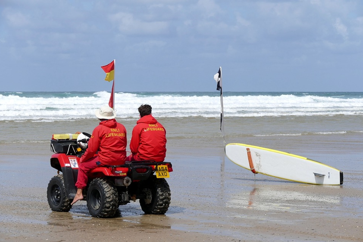 海の安全 プロサーファー認定資格