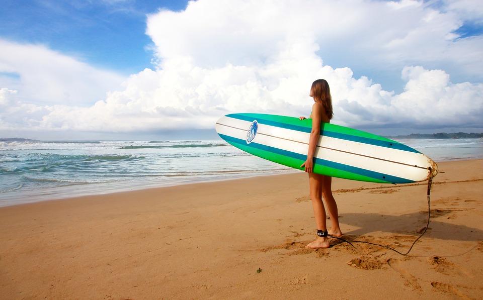 「今年こそサーフィンを始めようとする人へ!安全のため守らなくてはいけないルールとは」