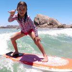 小さな子どもと初めてのサーフィンを安全に楽しむために!