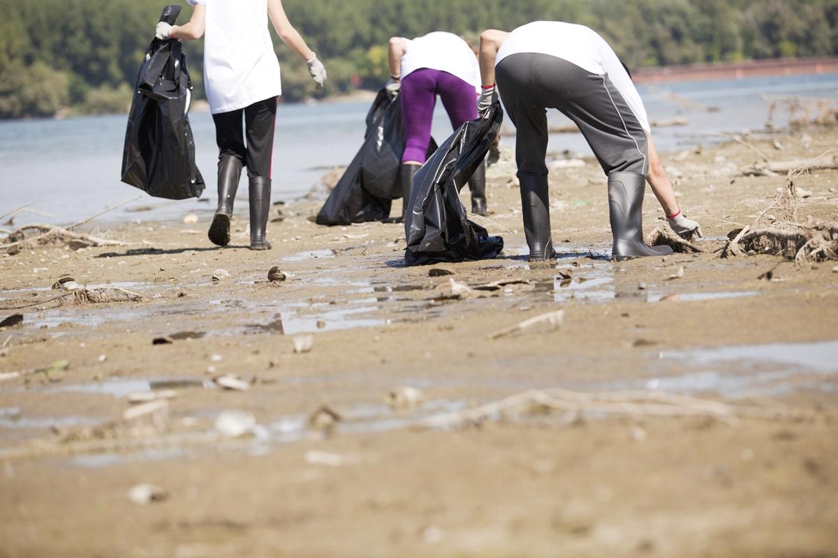 海岸清掃 海のゴミ 環境問題