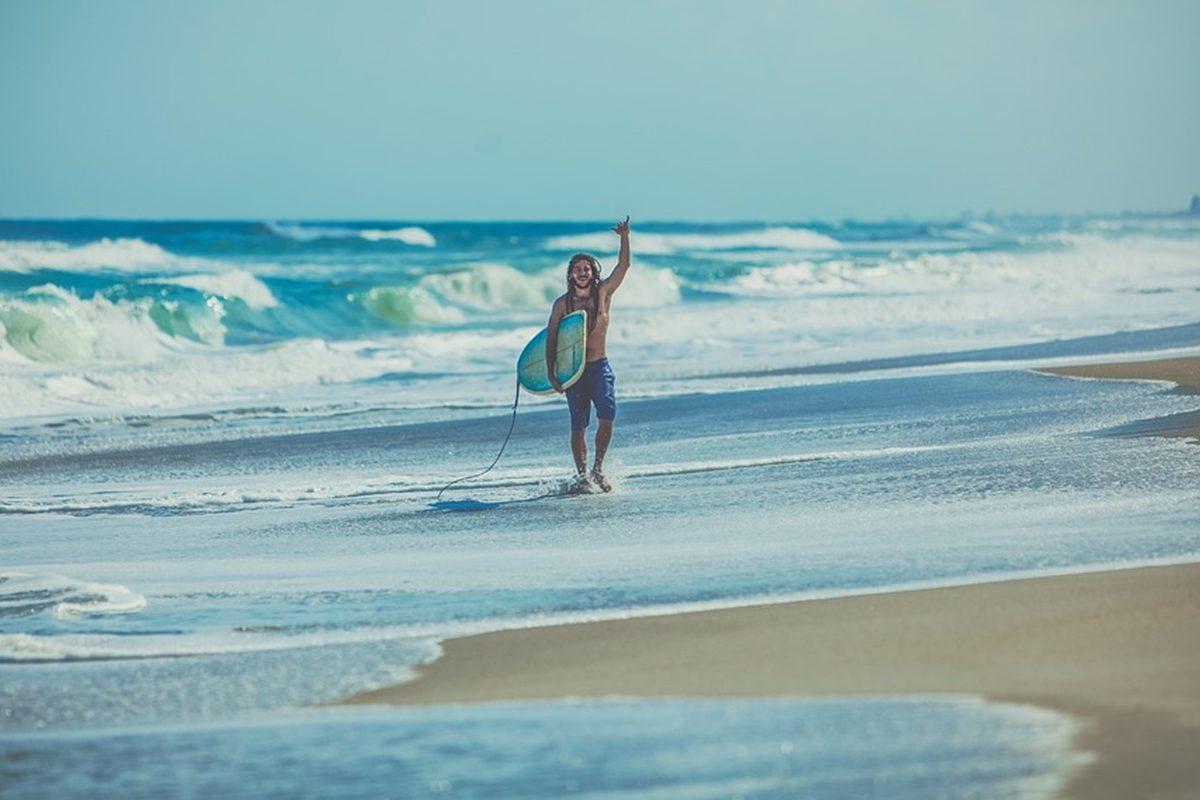 高齢化の波はサーフィン業界にまで!今どきのサーファー事情とは