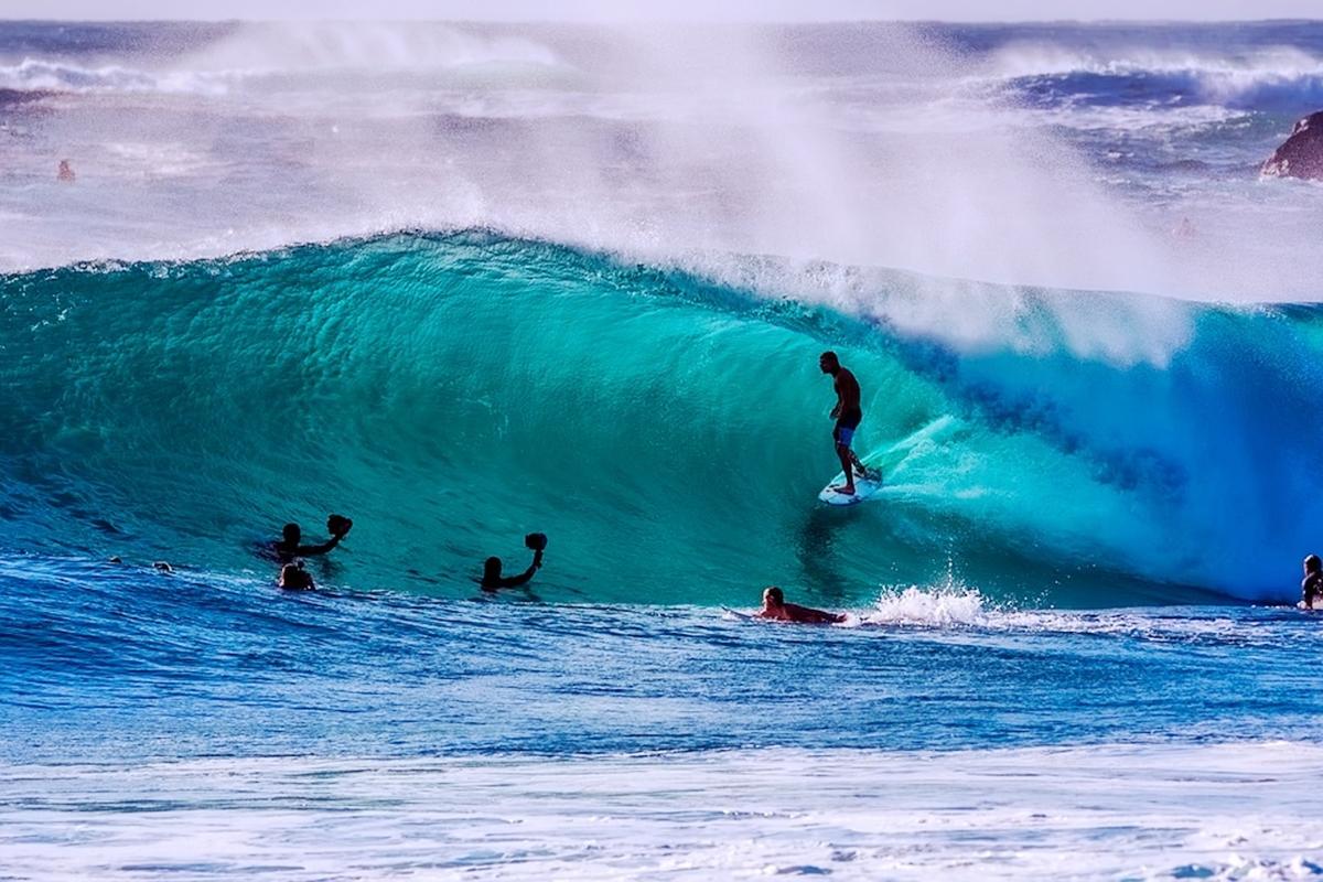 いい波  サーフィン サーファー