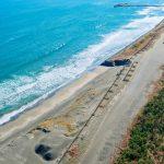 失われていく海岸線!海岸浸食の現状と対策とは?