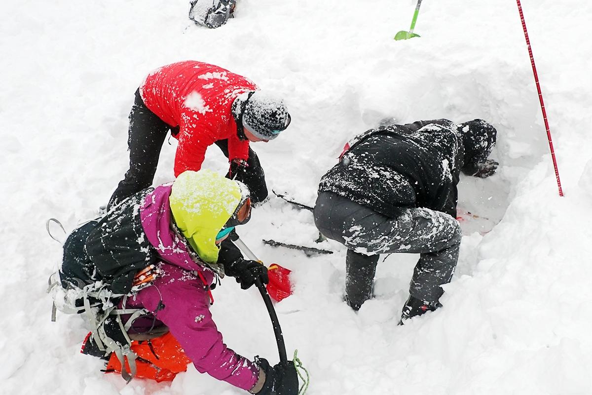 実技講習 雪山&登山の雪崩