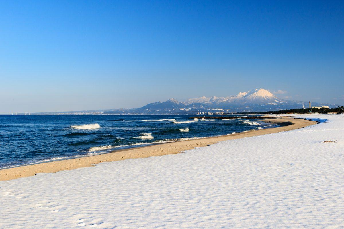 冬のサーフィンの魅力とは!?スキルアップのチャンスシーズン!!