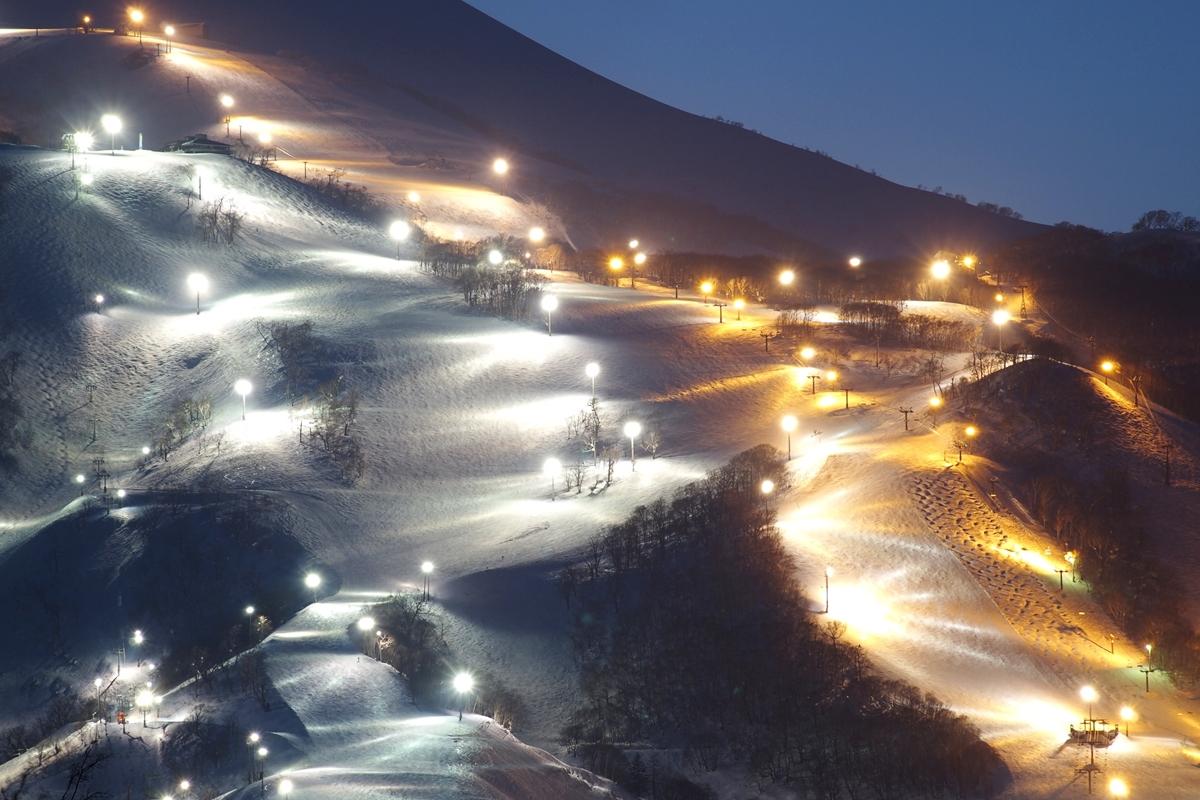 イルミネーション スノーリゾート・スキー産業