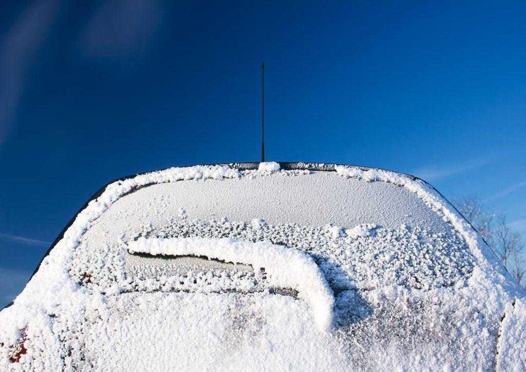 雪道ドライブ トラブル例