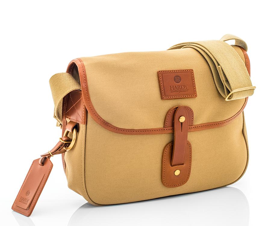 【釣りでも街でも愛用したい】英国ブランドのおしゃれなフィッシングバッグたち