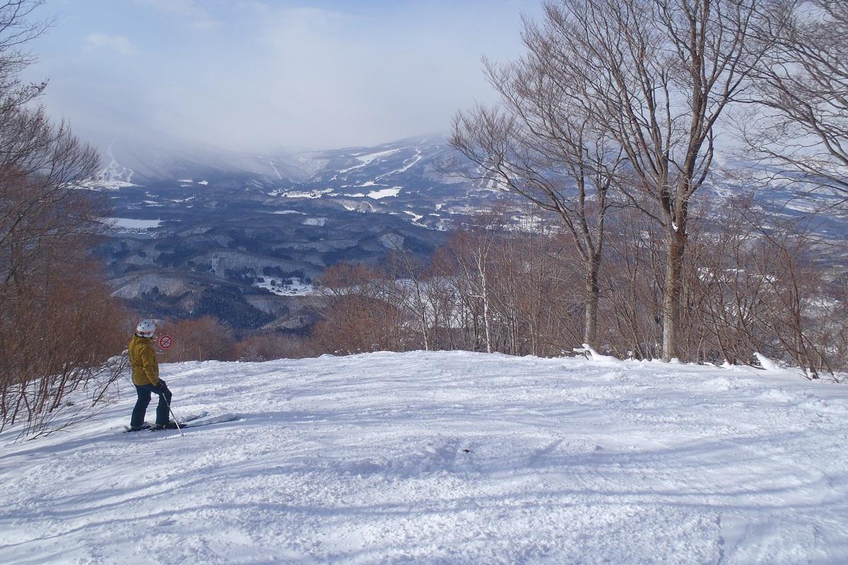 寒がりスキーヤーがゲレンデで使ってみた!ウルバンRAVセーター&SWIX(スウィックス)ベースレイヤー