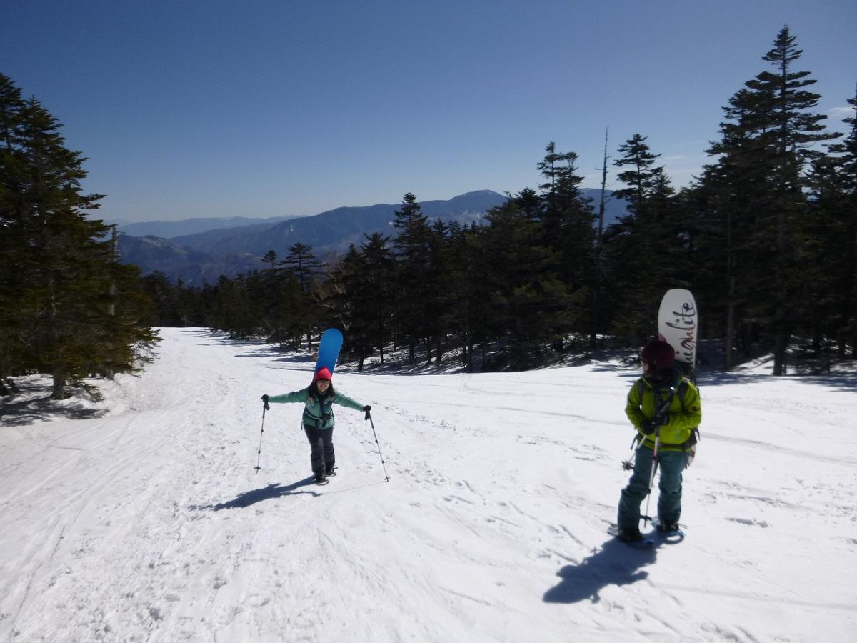 バックカントリースキー&スノーボードガイド付きツアー