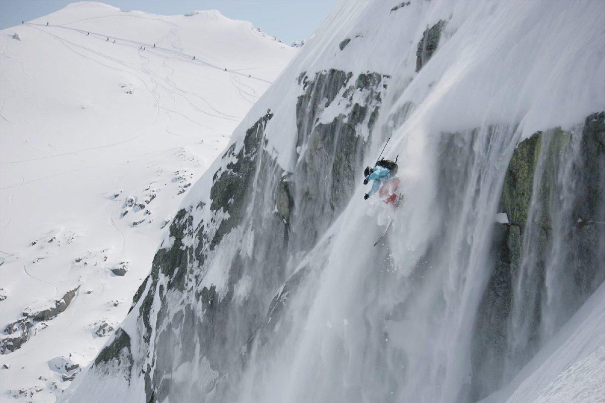 世界で最も危険と評される「スキーベースジャンプ」に挑む日本人先駆者~佐々木大輔~