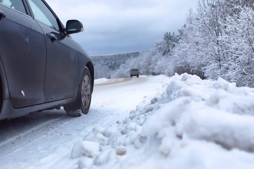 雪道走行 トラブル対策