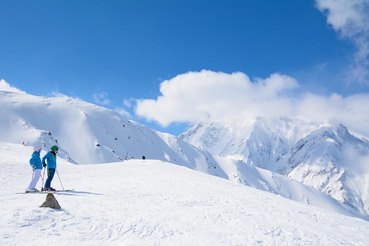 春スキー ゲレンデ