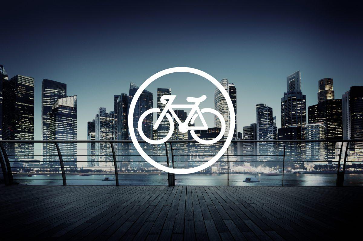 万全の装備で事故を防ごう!ロードバイク(自転車)での夜間走行の注意点と安全走行グッズ