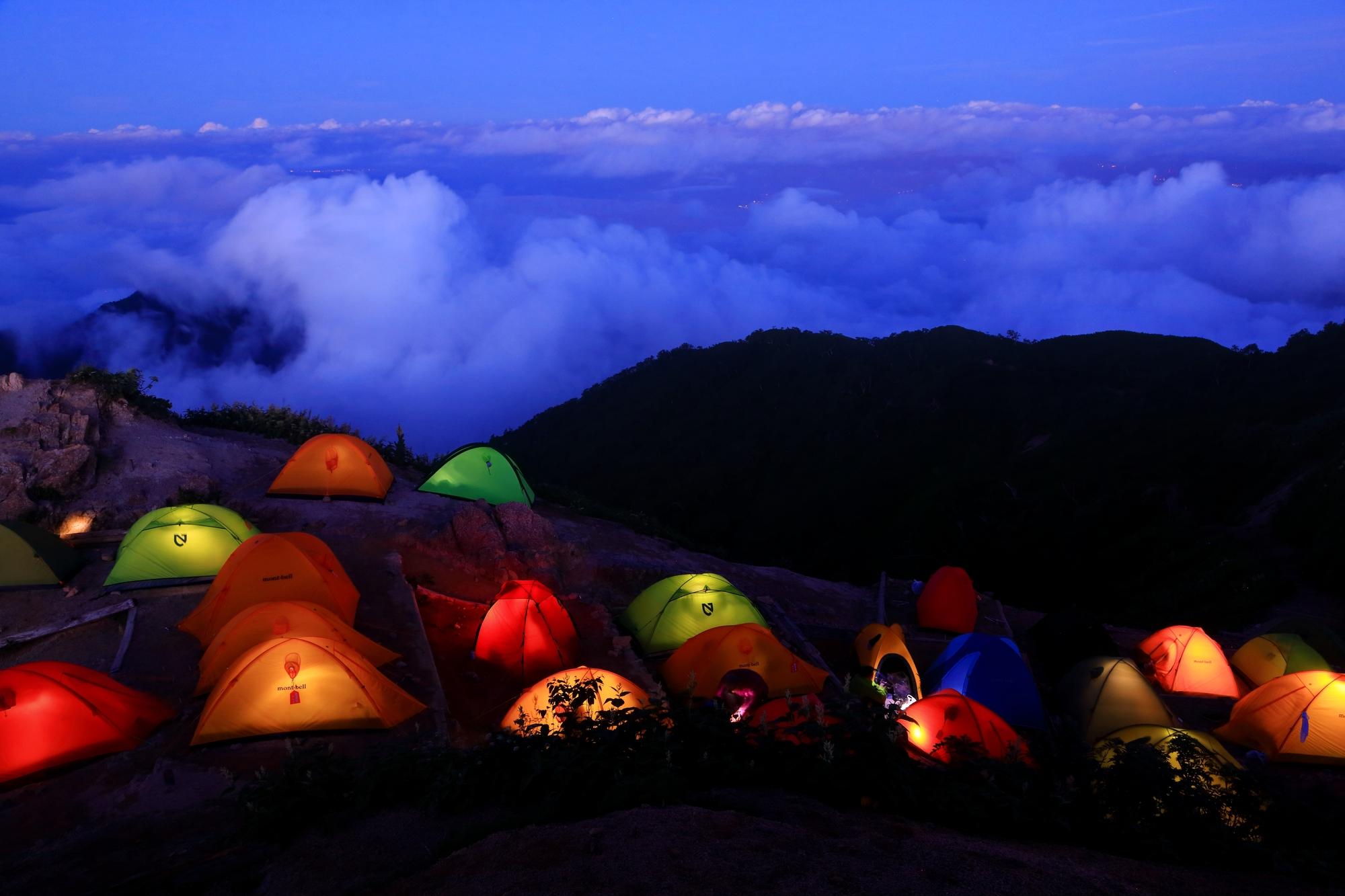 【ひとりテントデビュー】事前に習っておけば安心。テントの張り方やテント泊の知識を学べる講習会・ツアー4選