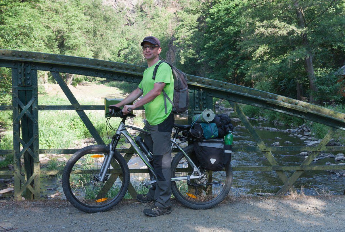 【サイクリング×キャンプ】荷物はどこに収納する?便利な自転車バッグおすすめ5選