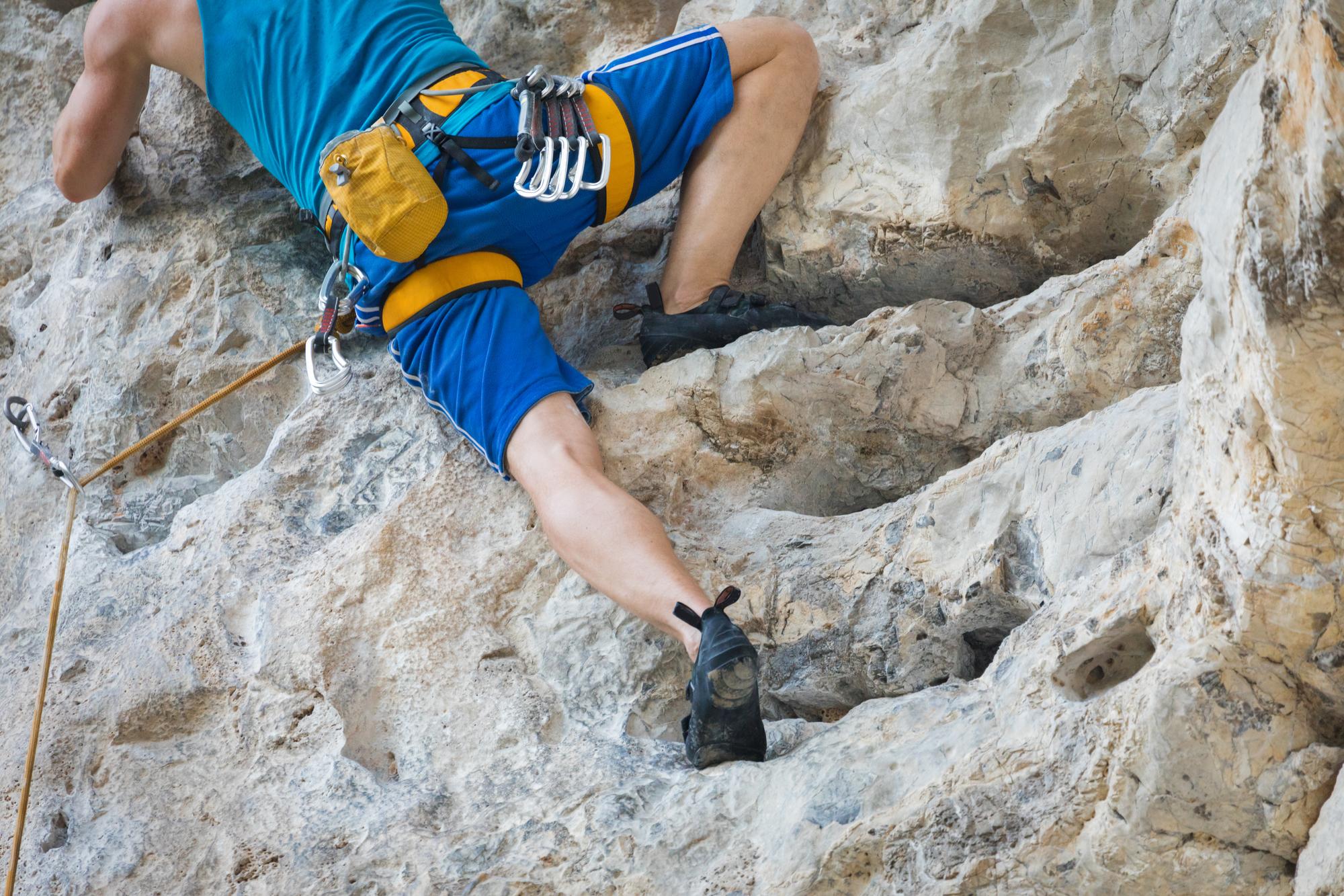 岩場歩きのトレーニングに!ロープを使ったルートクライミングのススメ&始めるための道具