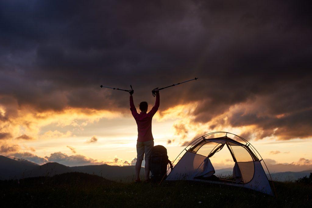 テントの張り方やテント泊の知識を学べる講習会