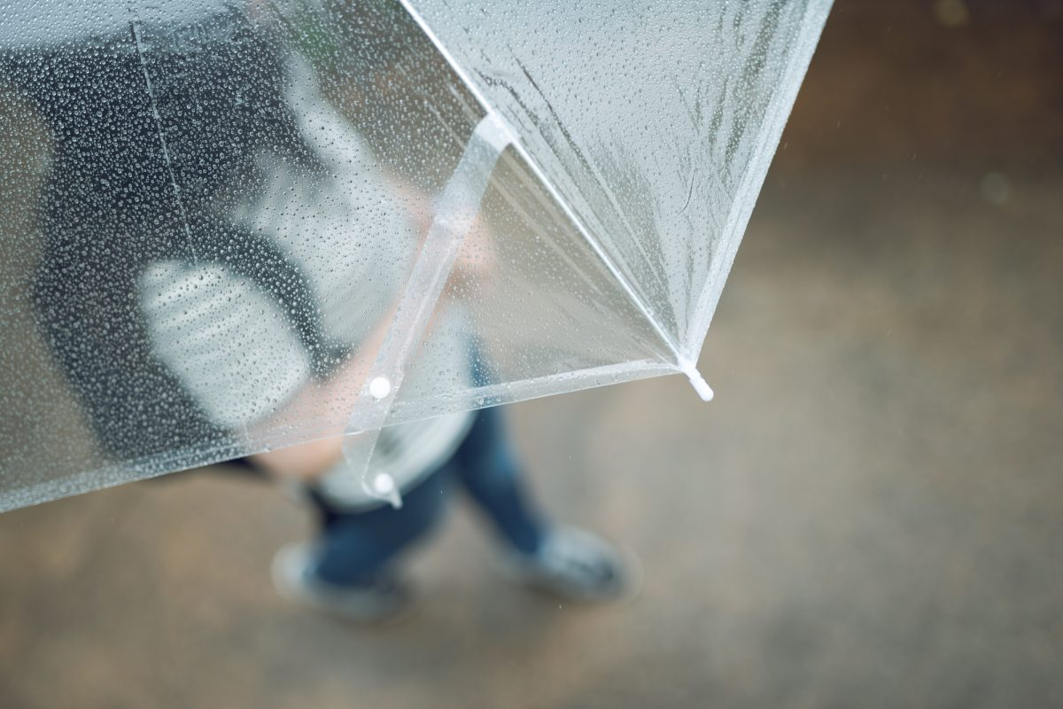 ユウウツな梅雨時期はアウトドアグッズで快適に乗り切れる!さっそく日常に取り入れよう