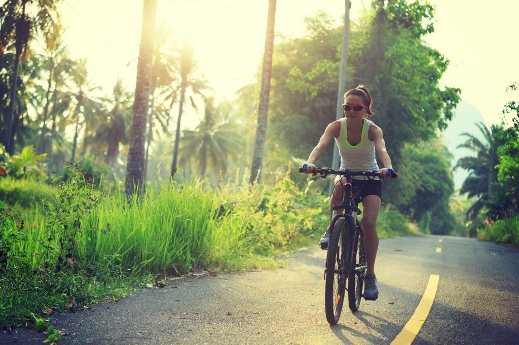 サイクリングにアイウェア