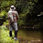 夏の渓流釣りはゲータースタイルで涼しく軽やかに!ウェットウェーディングの装備を解説します