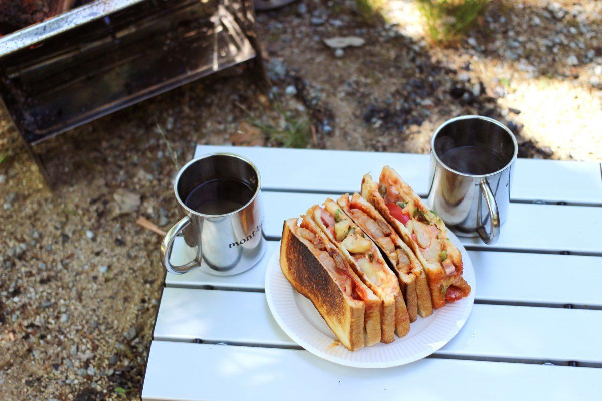 【簡単美味しいホットサンドレシピ】脱マンネリ!キャンプの朝ごはんの定番、ホットサンドの具材20選