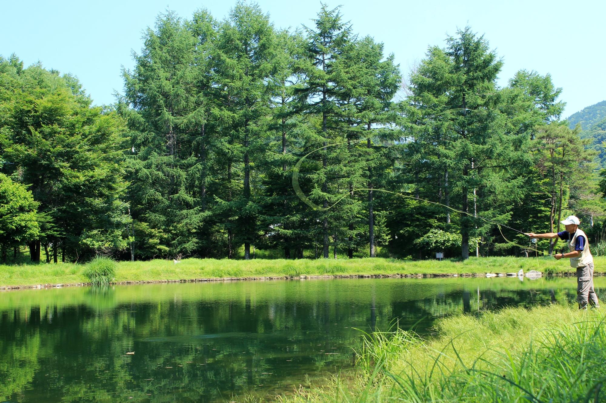 キャンプmeets管理釣り場♪気軽に魚釣りができるキャンプ場〜東日本編
