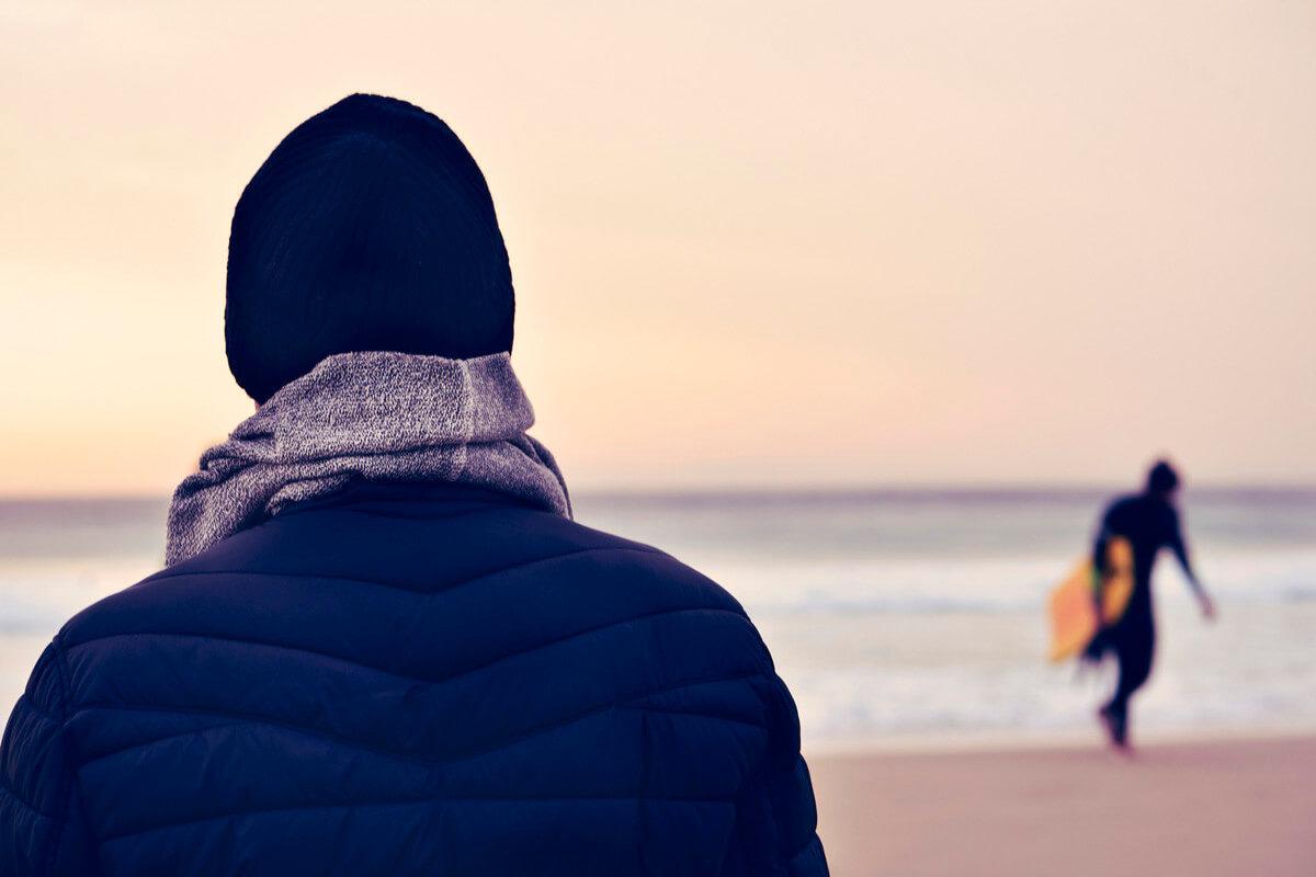 冬もサーフィンやダイビングを安全に楽しむために。低体温症の原因と対策をしっかり学ぼう