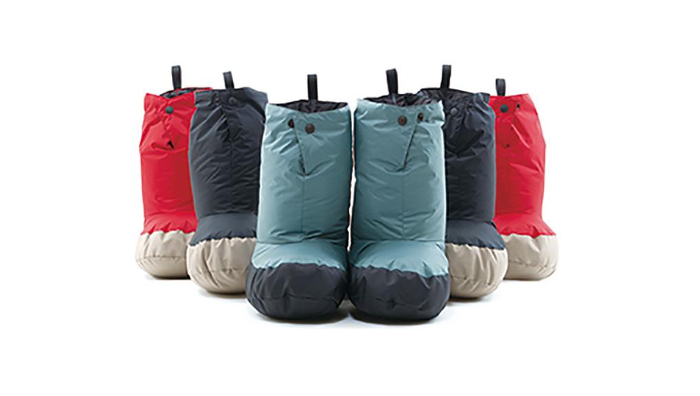 冬キャンプのテントシューズ