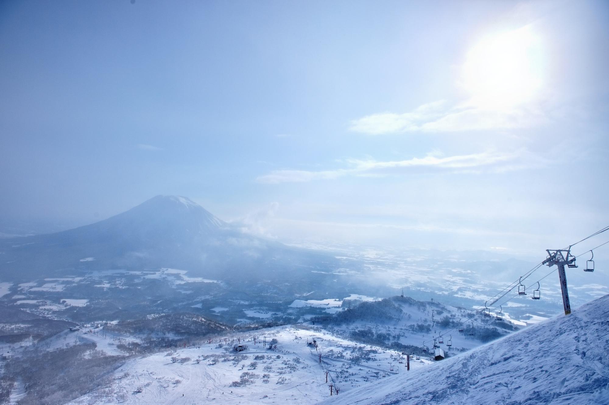 世界が大注目の人気スポット!スキー・スノボするなら「ふっこう割」でニセコへ行こう!