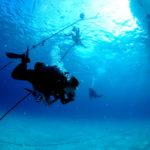 波とうねりの違いとは?安全ダイビングのための正しい知識と対処法