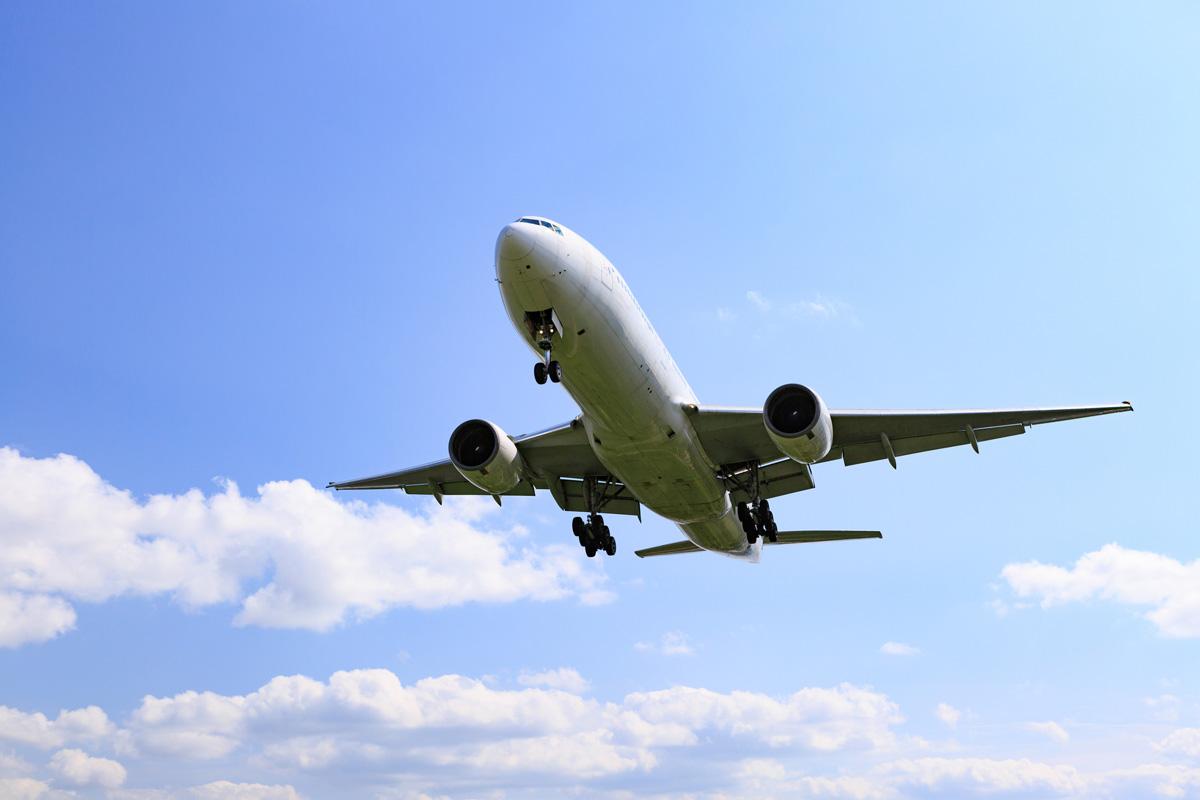 スキューバダイビングの後、時間を空けないと飛行機に乗れない理由とは?