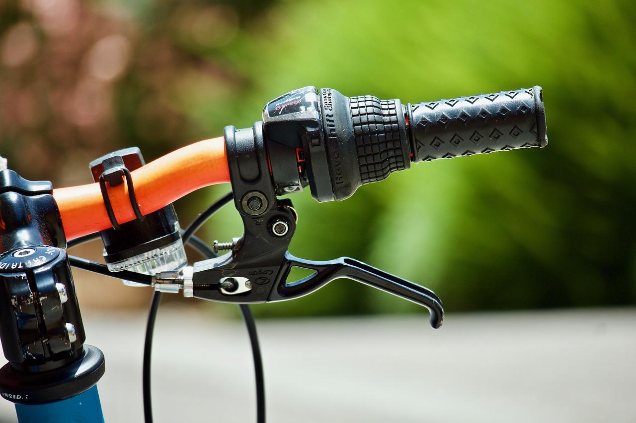 マウンテンバイクにセミファットタイヤ