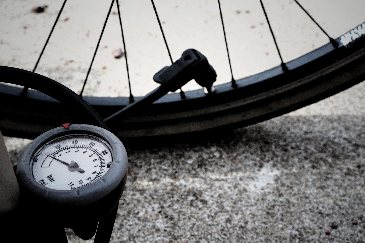 ファットバイクの適正空気圧