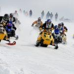 雪上のモトクロス「スノークロス」競技は初心者でも参加できる!ルールや参加ライセンスは?