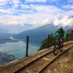 【イタリアマウンテンバイク事情】トンネルありヤギありのトロッコ軌道跡を走る大人気ルートとは?
