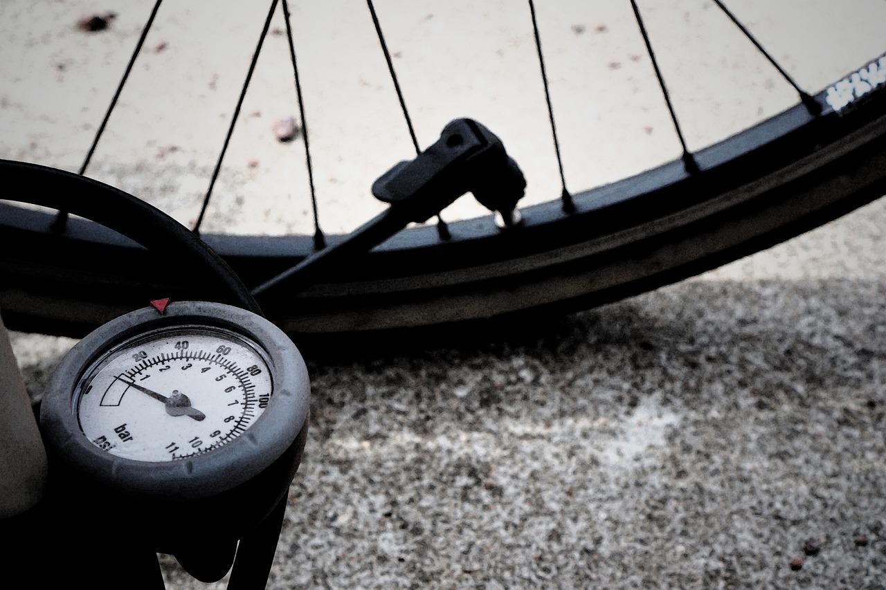 自転車の空気入れの重要性と方法