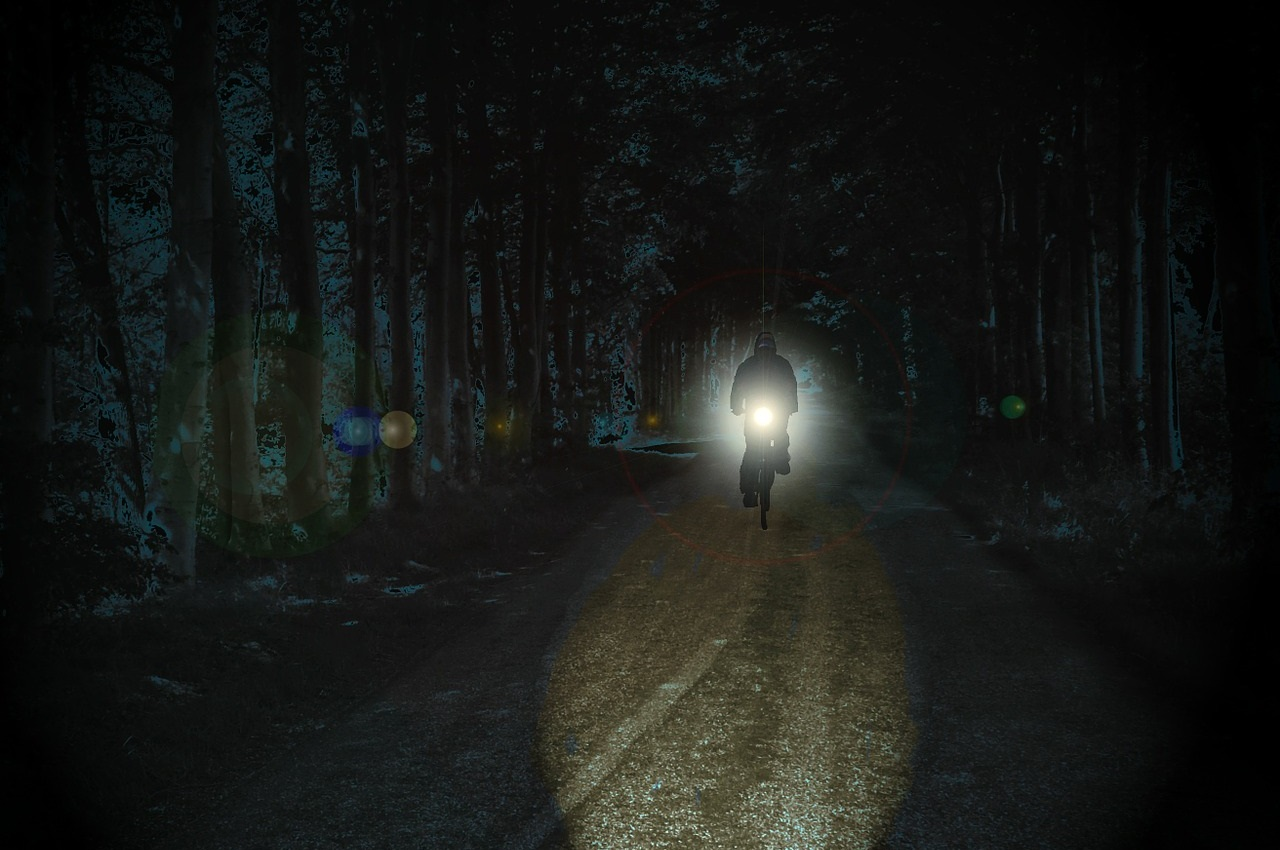ロードバイクナイトライドロードバイクのライト