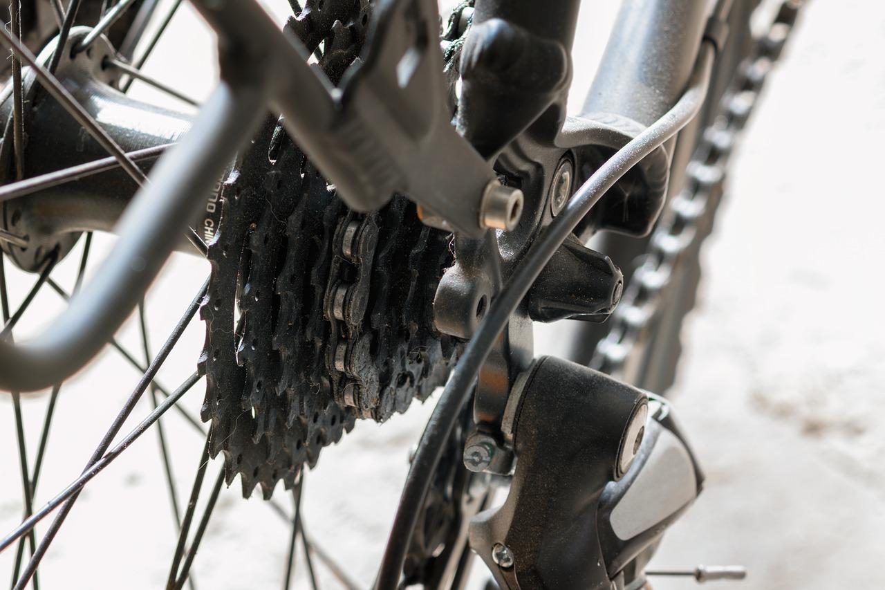 自転車スプロケットディレイラーマウンテンバイクの軽量化